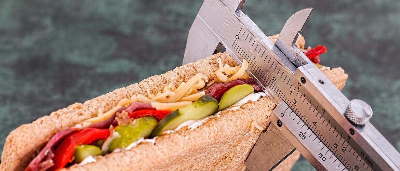 Сколько калорий нужно употреблять в день Сколько калорий употреблять в день, чтобы безопасно сбрасывать лишний вес
