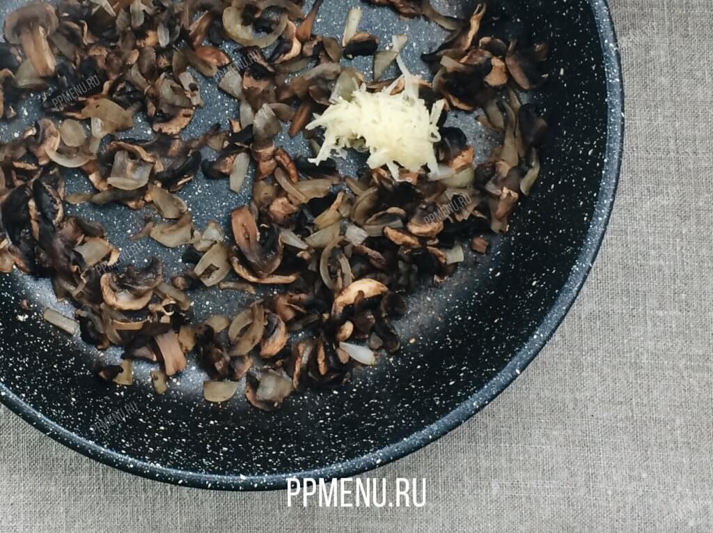 Биточки из индейки с грибами Рецепт